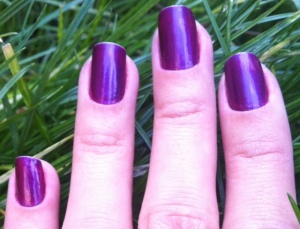 Purple metallic nails