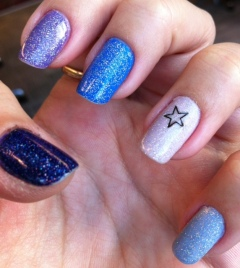 blues and purples nails - somanylovelythings