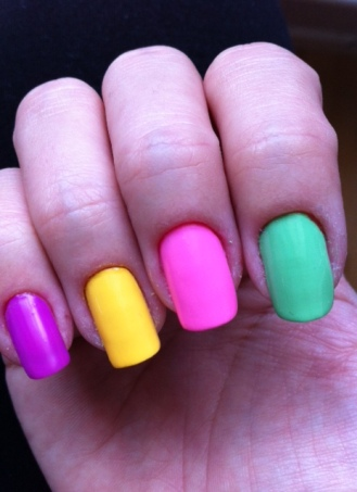 loreal colour riche neon pop