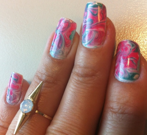 pink and blue marble effect nails - somanylovelythings