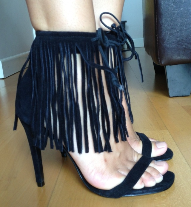 schutz fringe sandals - somanylovelythings