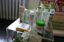 simple skincare - somanylovelythings