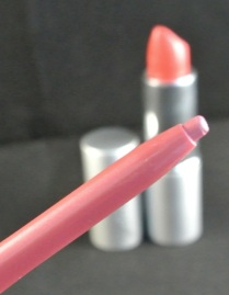 glo minerals lipstick siren - somanylovelythings
