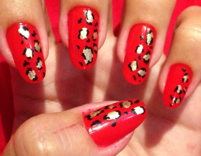 red and leopard print nail art - somanylovelythings