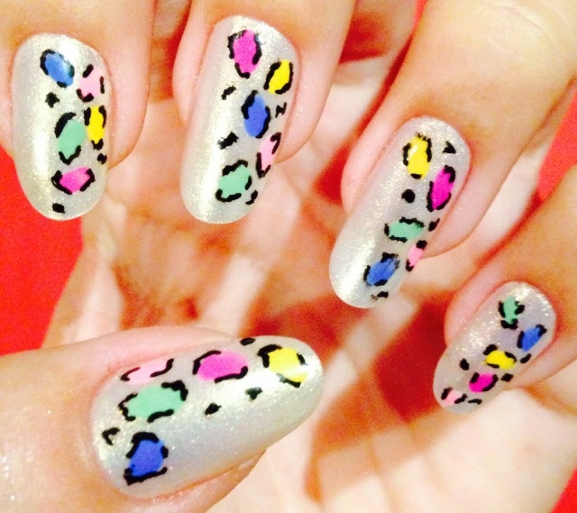 colourful leopard print nails - somanylovelythings