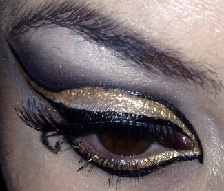 Black and gold eyes using eyeko liquid metal eyeliner - somanylovelythings