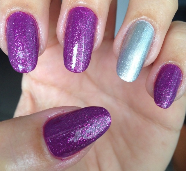 purple and silver nails - somanylovelythings