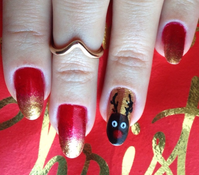 red, gold and reindeer nails - somanylovelythings