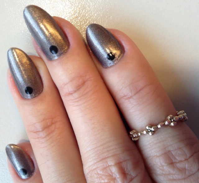 dielle metallic dignity nail polish - somanylovelythings