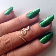 green nails - somanylovelythings