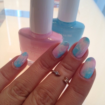 pink blue tie dye nails - somanylovelythings