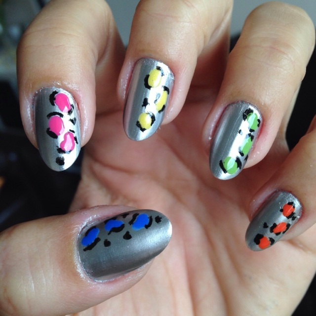 silver nails with colourful leopard print - somanylovelythings