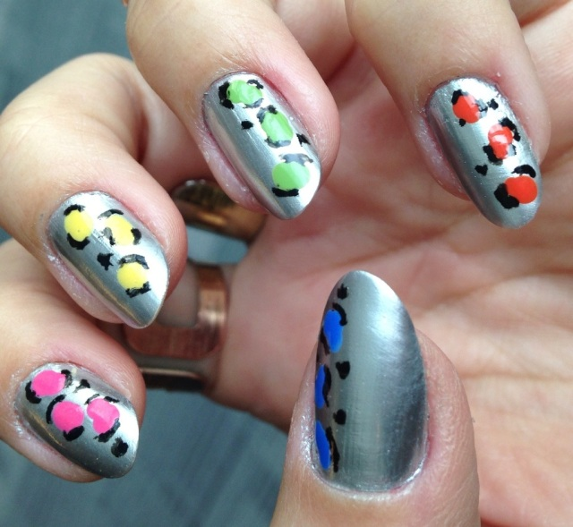 silver and colourful leopard print nails - somanylovelythings