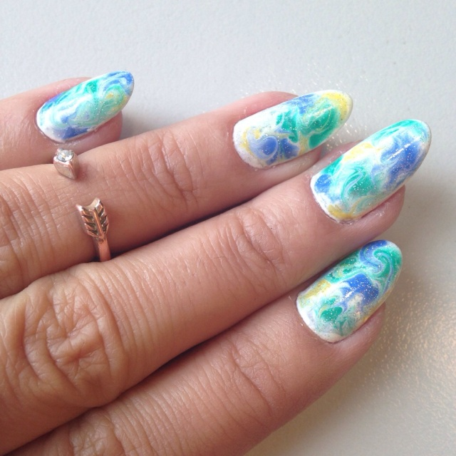 marble nails - somanylovelythings