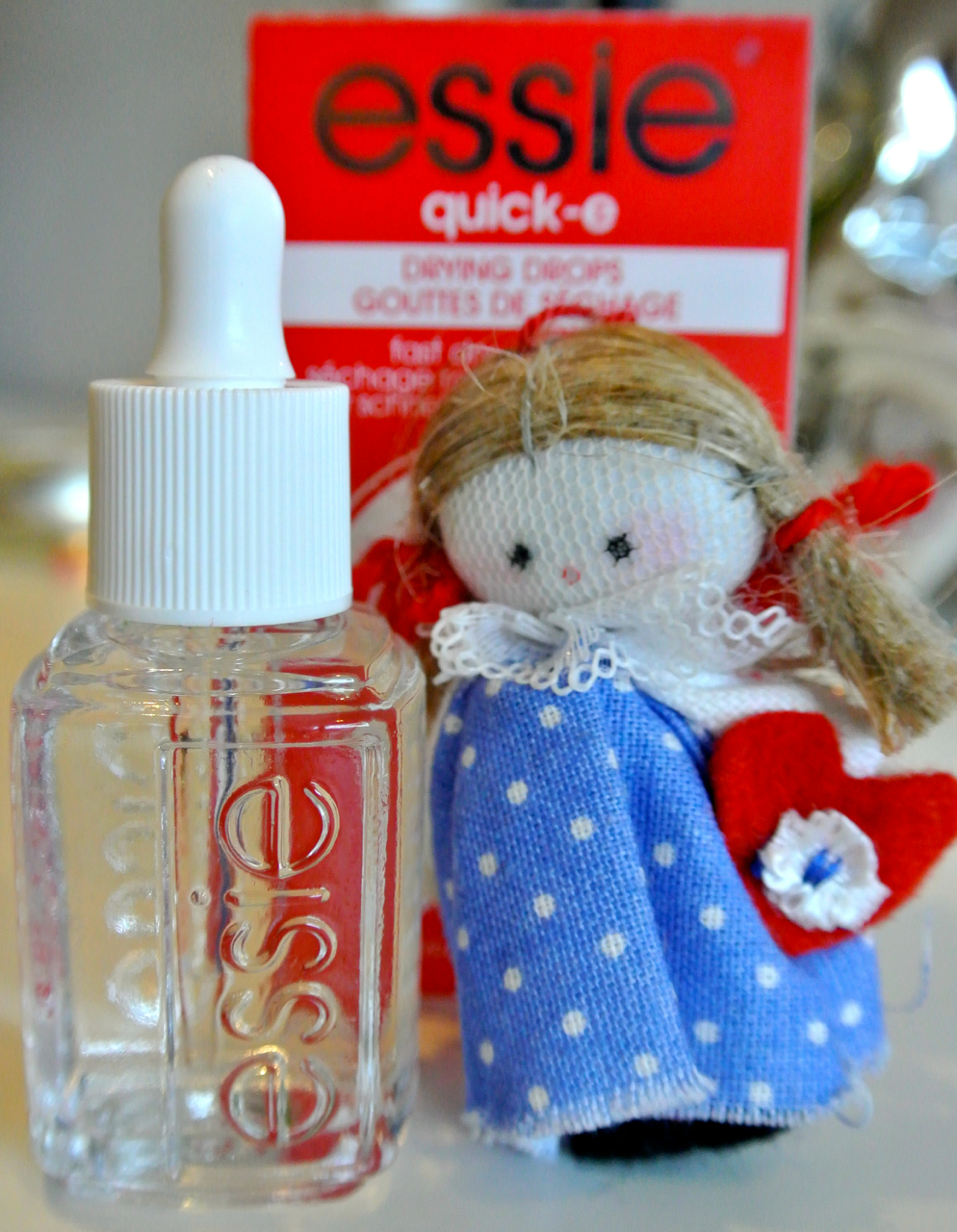 Review: Essie Quick-e Fast Dry Nail Drops | So Many Lovely Things