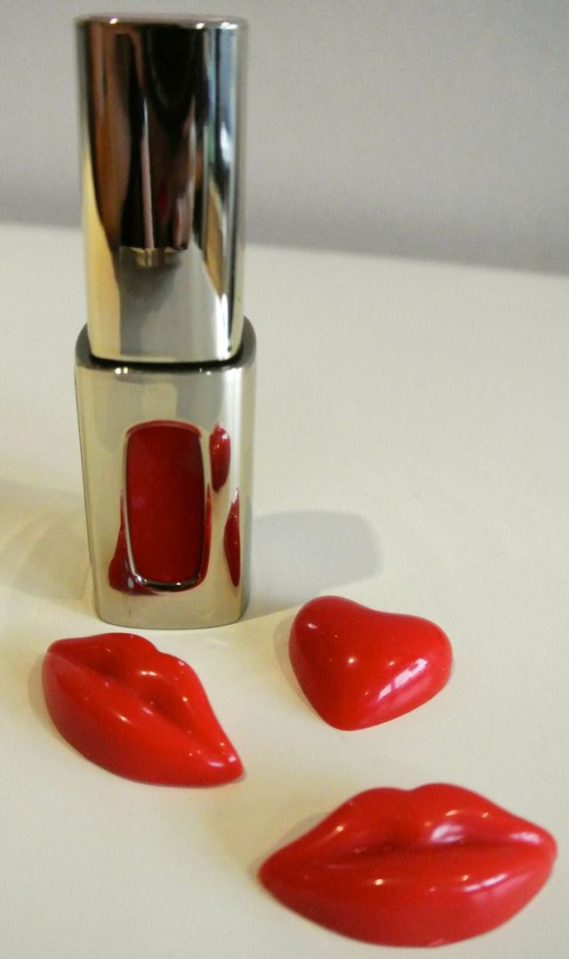 L'Oréal L'Extraordinaire Liquid Lipstick by Color Riche in Rouge Soprano