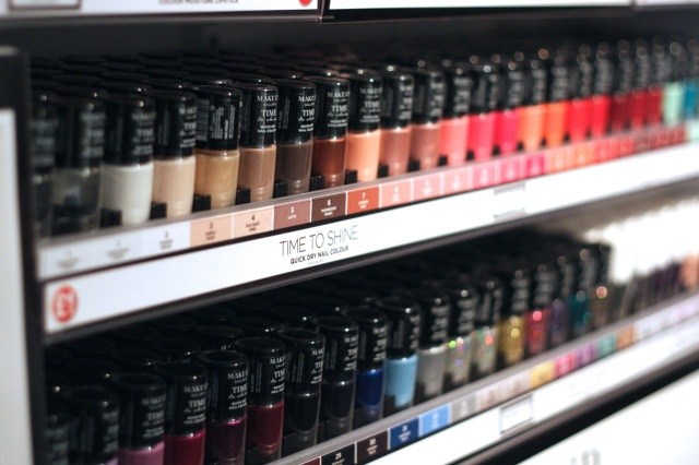 makeup gallery - poundland