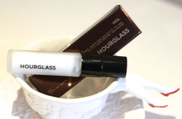 hourglass veil mineral primer review