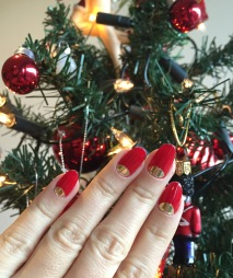 Rouge Louboutin and gold nails - somanylovelythings