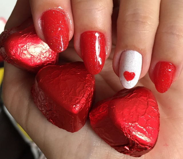 love hearts nails - somanylovelythings