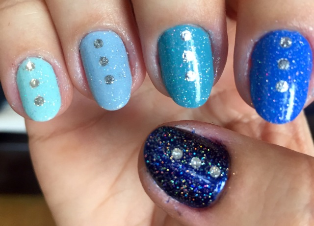blue nails - somanylovelythings