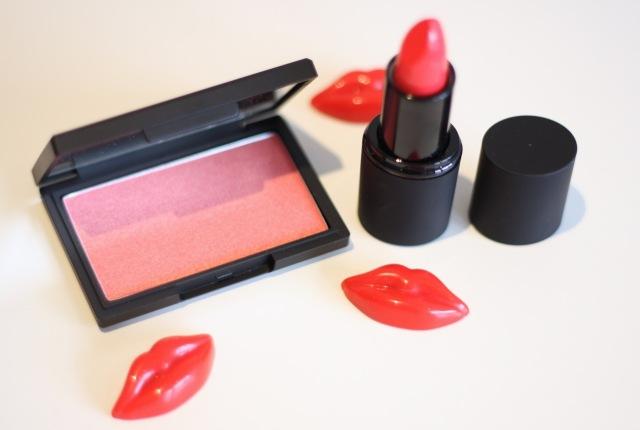 sleek makeup - lipstick and blusher
