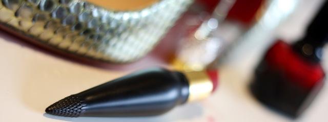 rouge_louboutin_velvet_matte_lipstick - 1