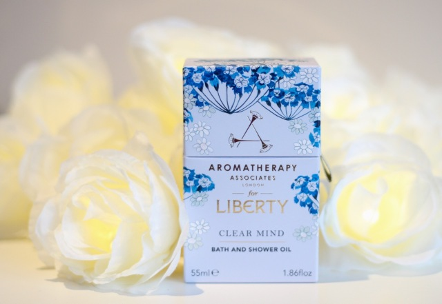 aromatherapy_associates_for_liberty_clear_mind_oil_review - 1