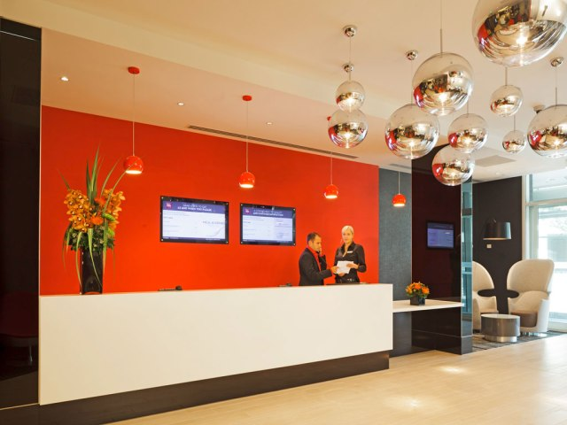 ibis_blackfriars_reception