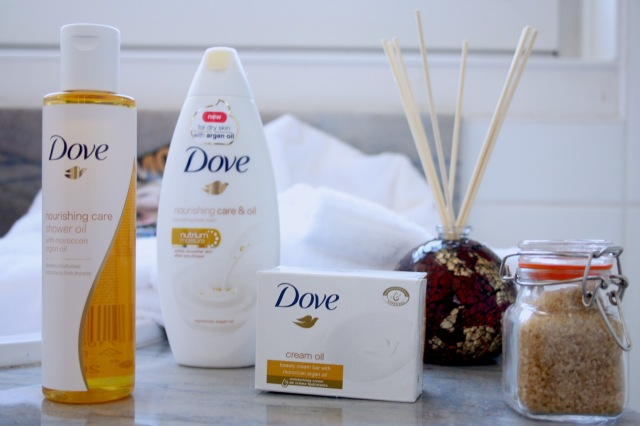 dove-nourishing-care-oil-review - 1