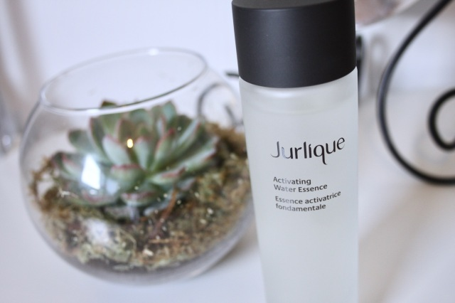 jurlique-activating-water-essence-review-2