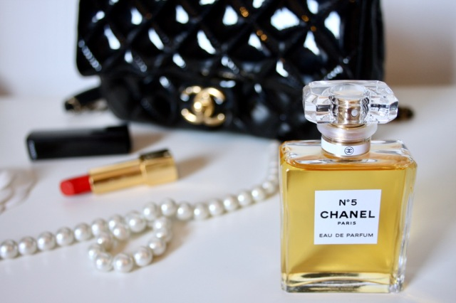 chanel-number-five-review-2
