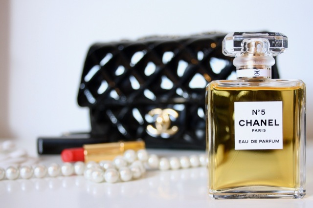 chanel-number-five-review-3