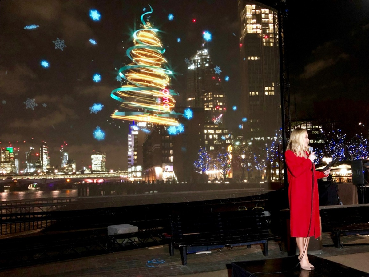 Amanda Holden at the npower Light Sky for MacMillan Cancer Support