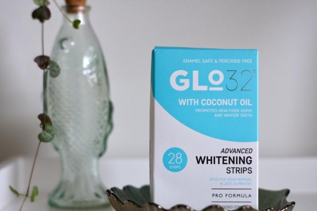 Glo32 teeth whitening strips